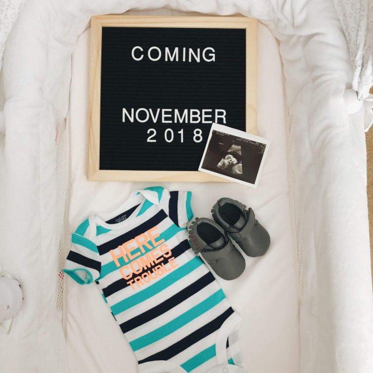 hello-brittnee-pregnancy-announcement