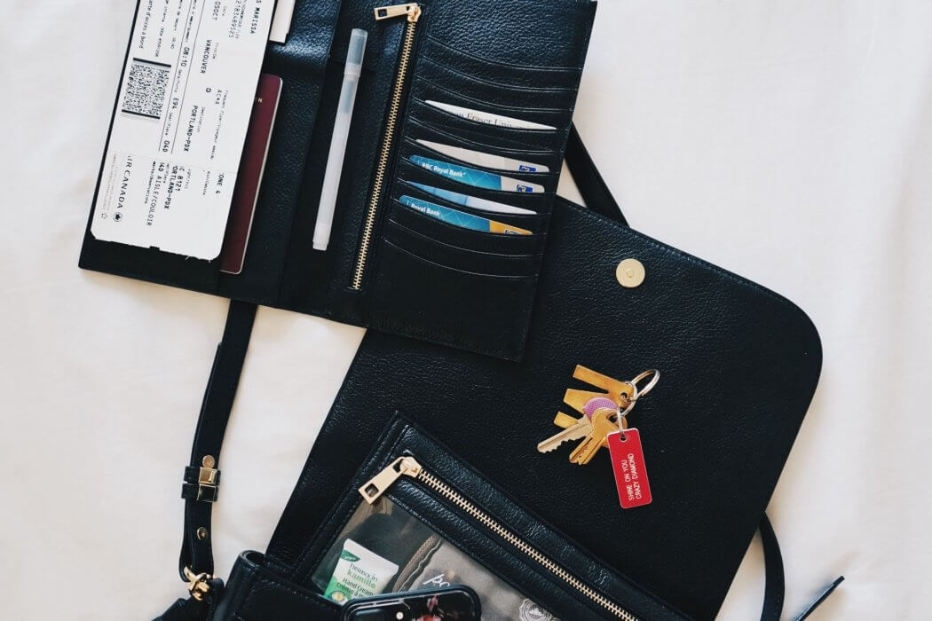 How to Declutter Your Wallet