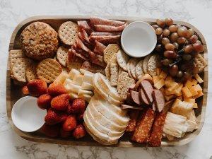 hello-brittnee-charcuterie-board-cheese-platter-budget