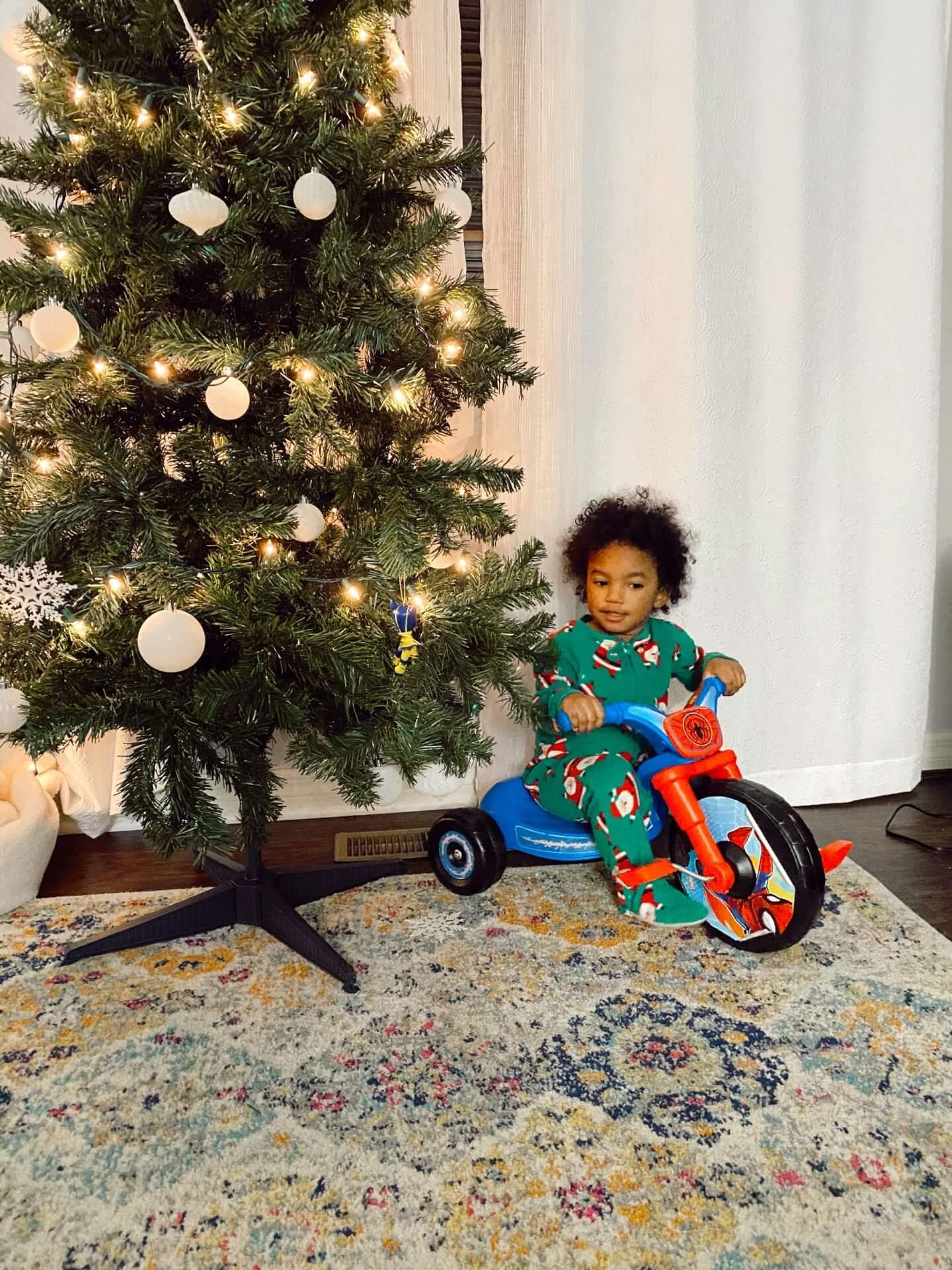 hello-brittnee-toddler-holiday-activities-fun