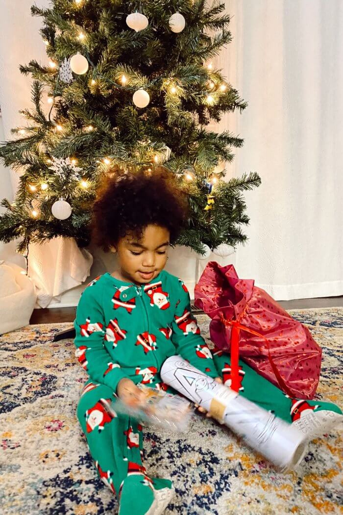 4 Fun Holiday Activities to Do With Your Toddler